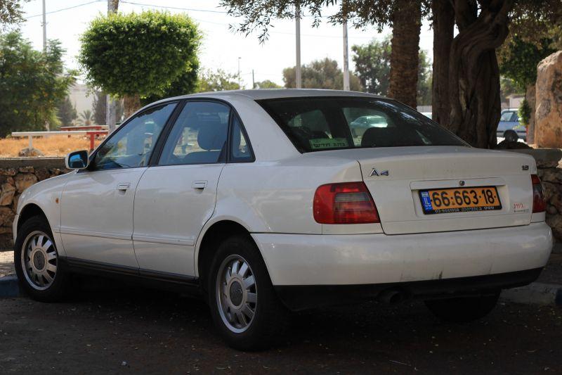 אאודי A4 שנת ייצור 1998  6666318